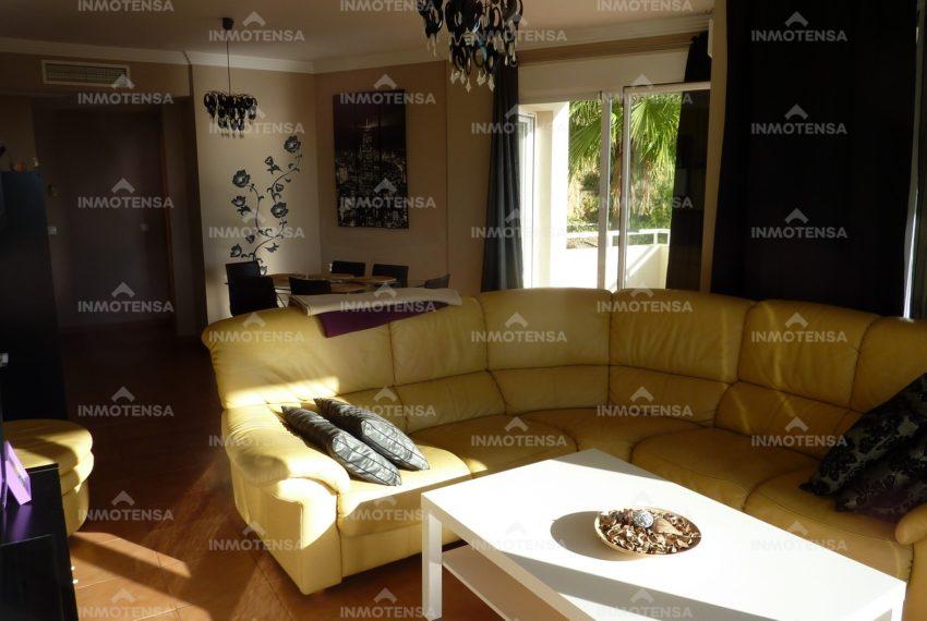 HOTA4318_23_Living room3