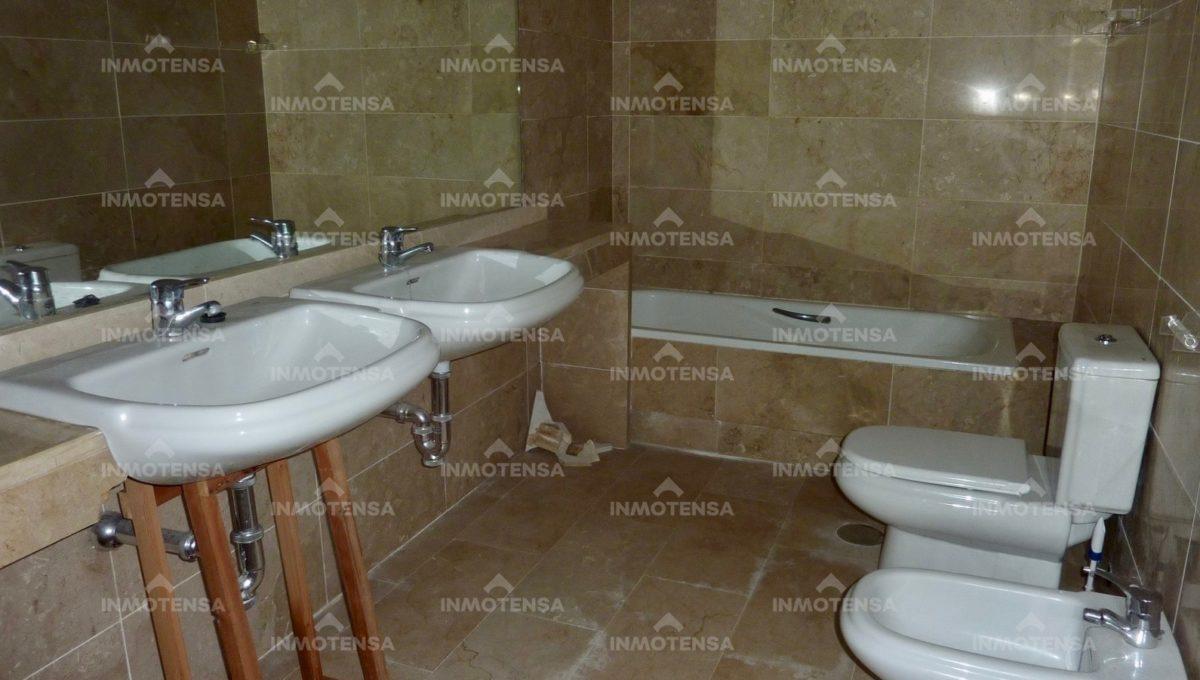 HOTA4354_13_bathroom 1