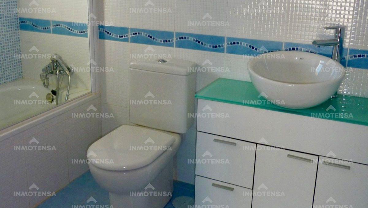 HOTV1357_15_bathroom 3