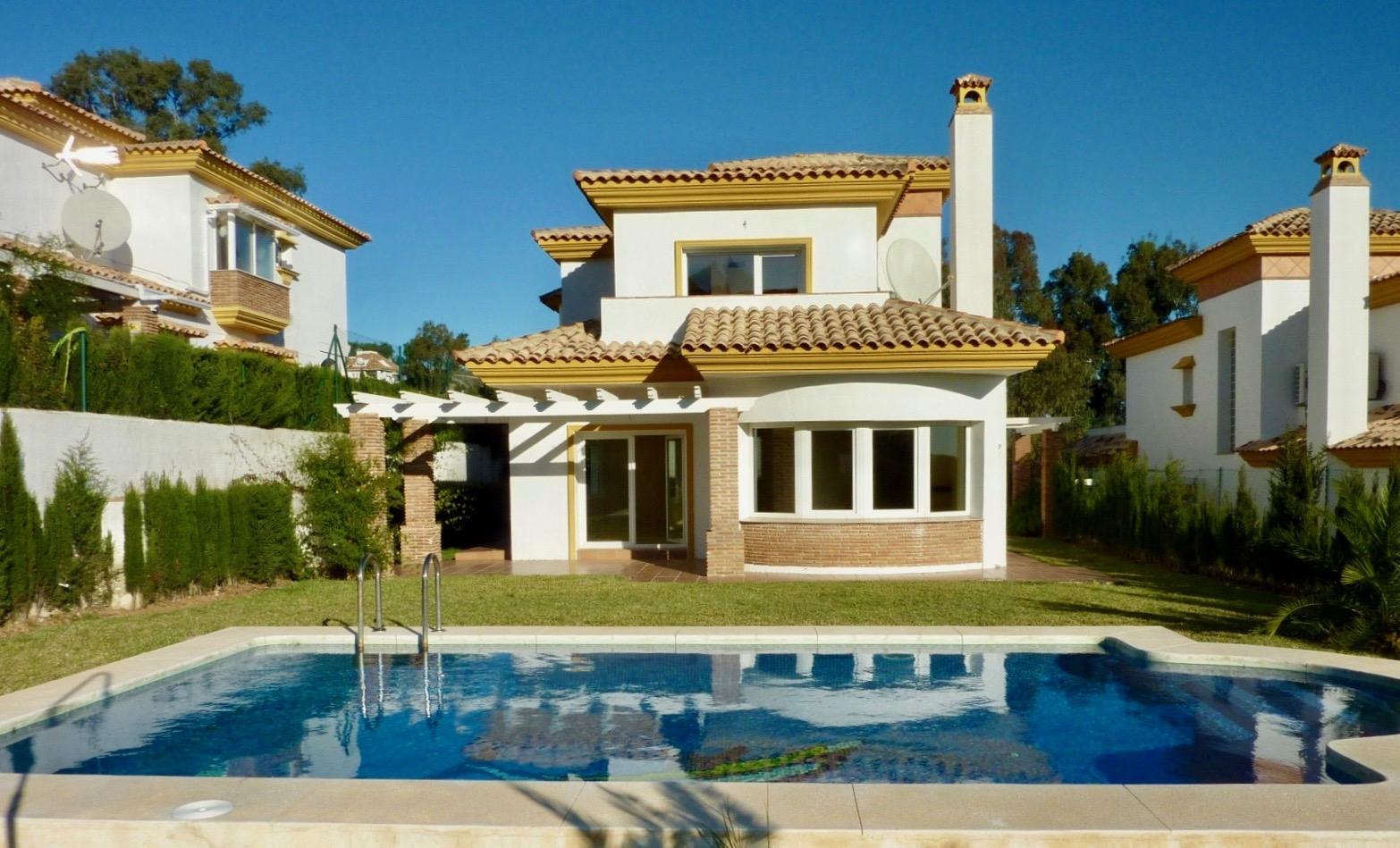 Villa en La Cala Golf, Mijas, Málaga (Rebajado 105.000 €)
