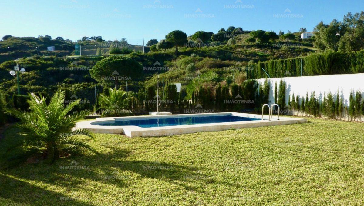 HOTV1357_18_private garden + pool