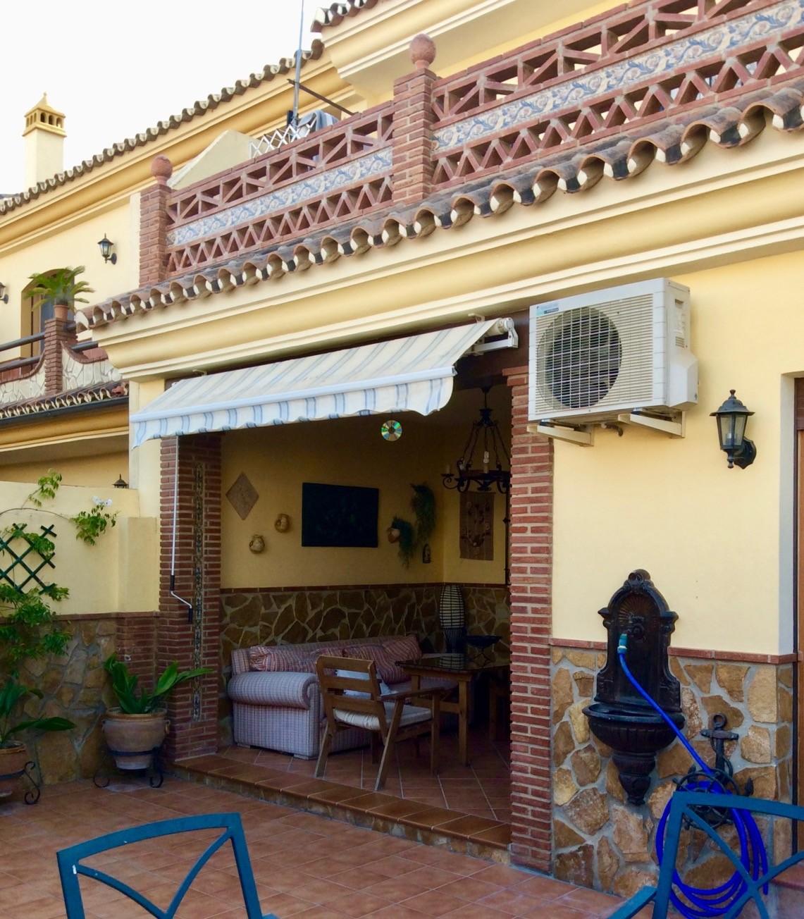 Casa nueva en Urbanización el Palomar, Coín