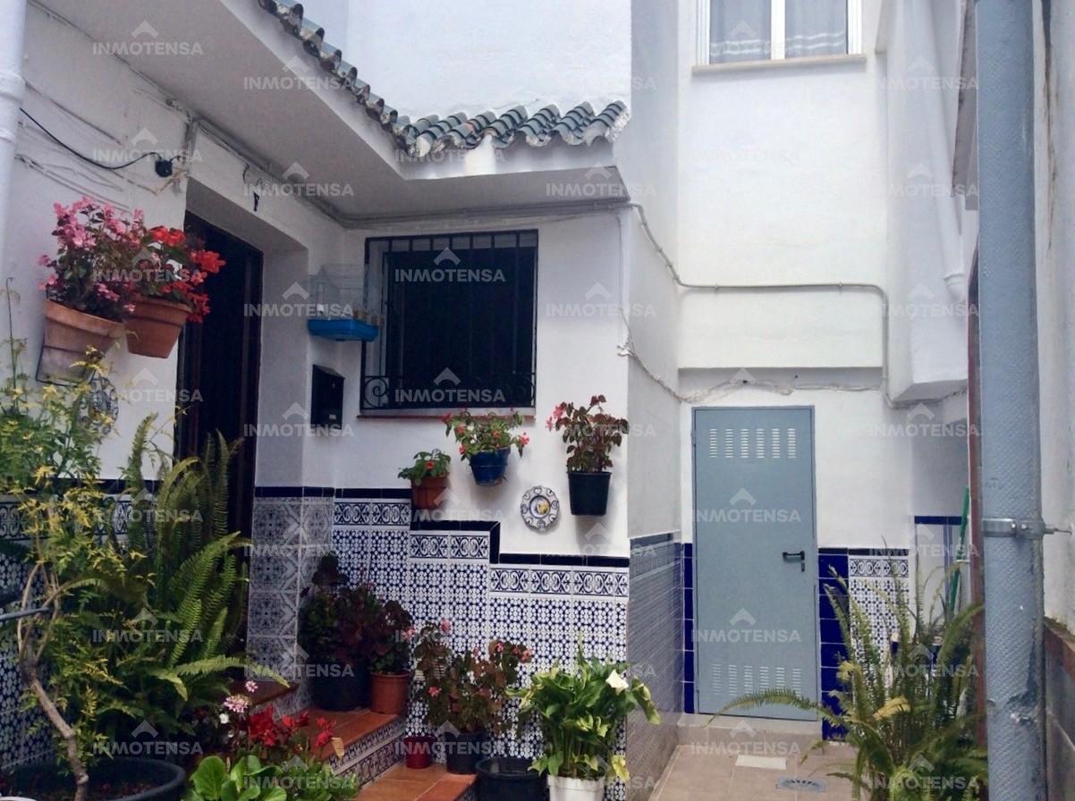 Casa en el centro de Coín. El Barrio.