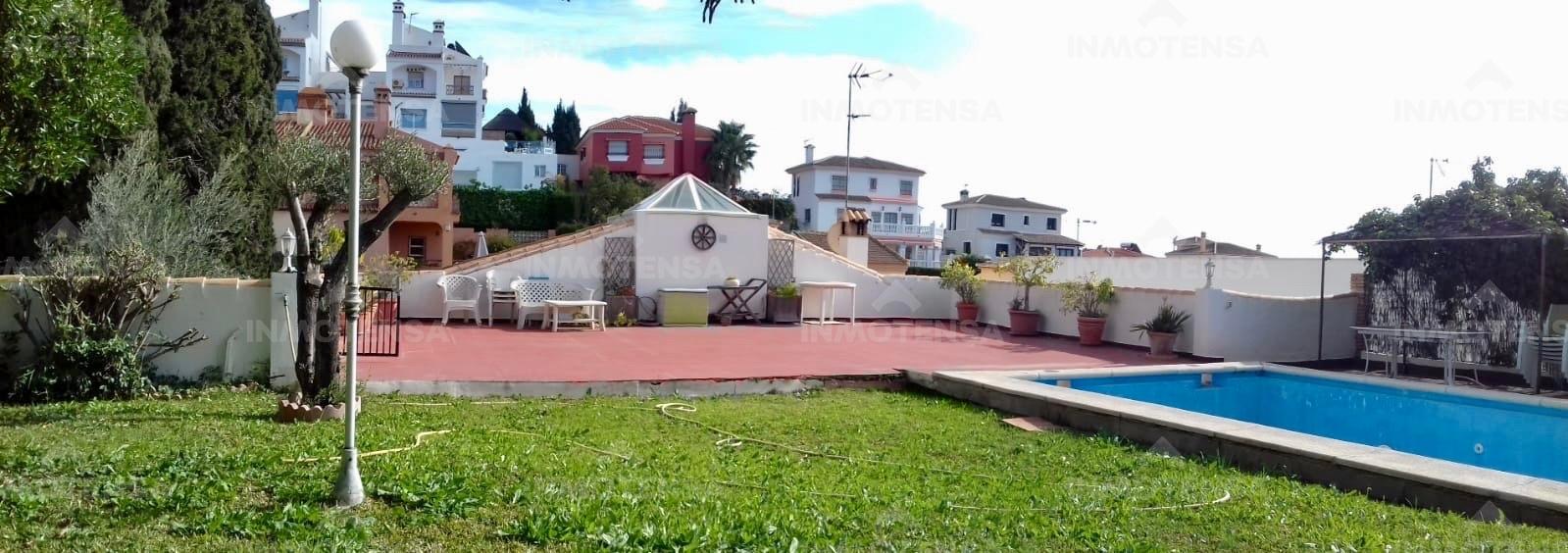 Chalet independiente en la costa de Málaga, en La Cala del Moral.