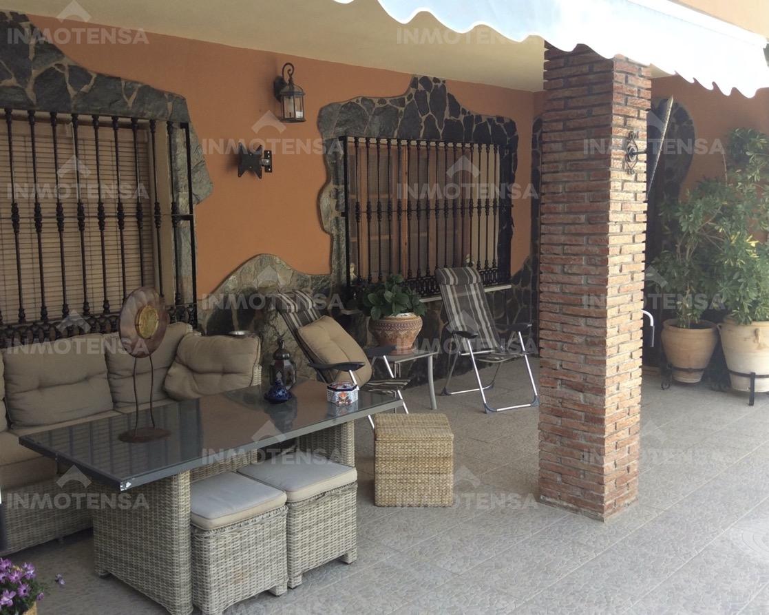 Vivienda con piscina en Urbanización el Rodeo, Coín, Málaga